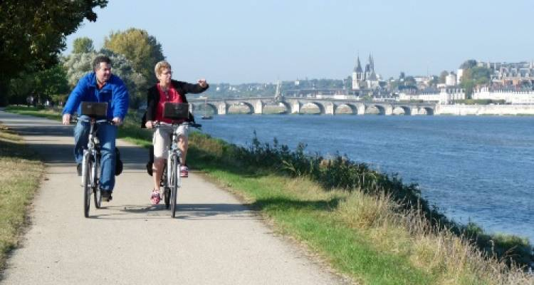 Cycle the Loire - Orléans to the Atlantic Coast